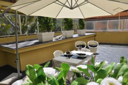 maison romana terrace